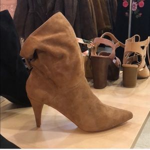 Suede Texture Pointy Booties. Size 8.5